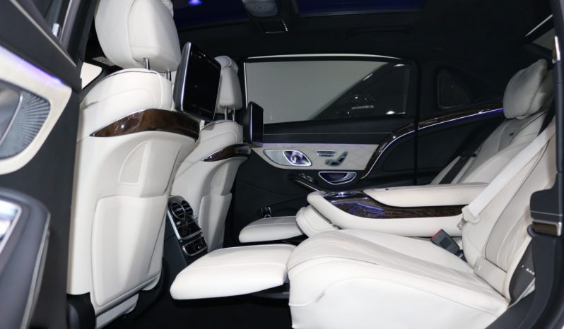 Mercedes Benz S600 Maybach full